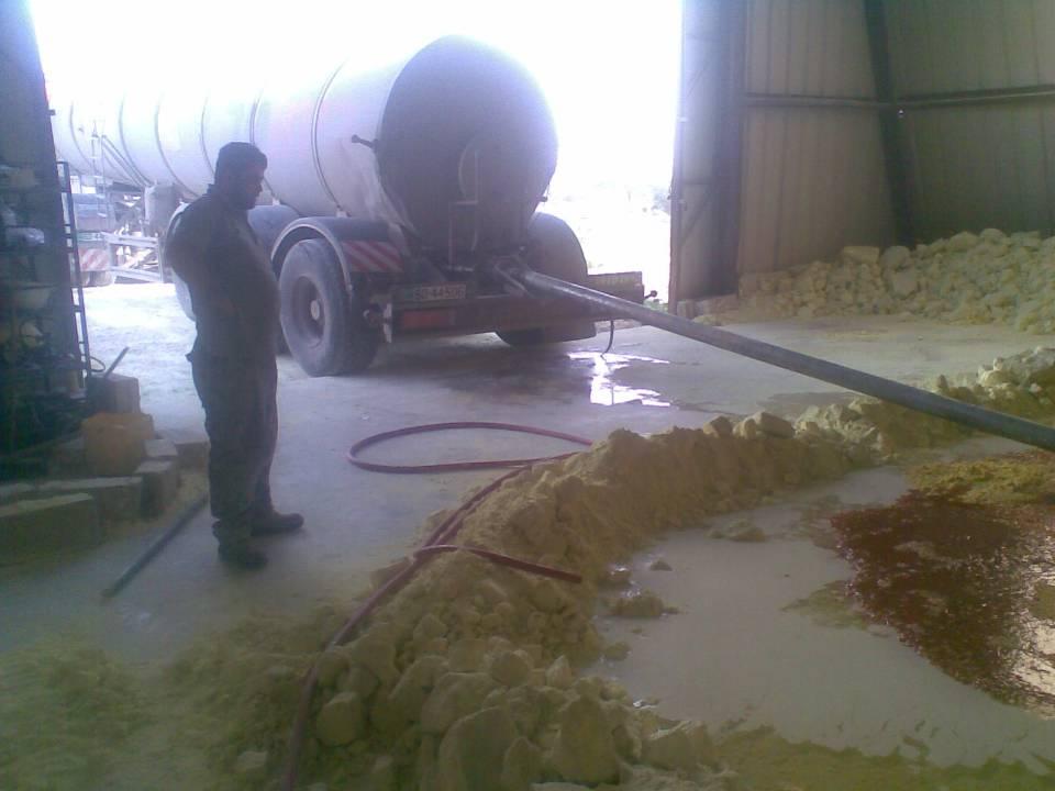 Unloading molten Sulphur